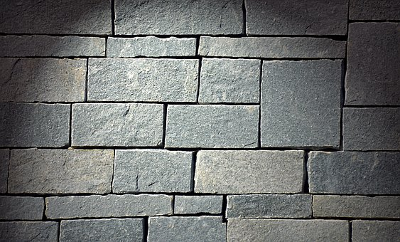 Pietra naturale, granito, travertino e marmo… facciamo chiarezza!